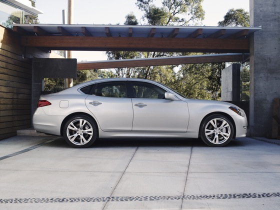 2011 Infiniti M37 - New Car Review featured image large thumb2