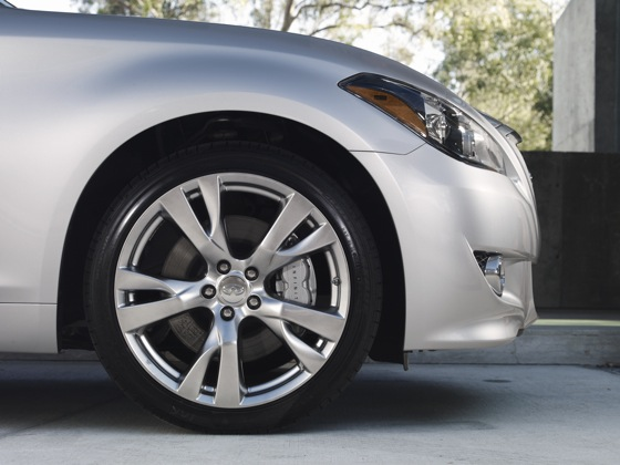 2011 Infiniti M37 - New Car Review featured image large thumb20