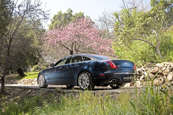 2011 Jaguar XJ - New Car Review featured image large thumb10