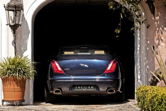 2011 Jaguar XJ - New Car Review featured image large thumb16