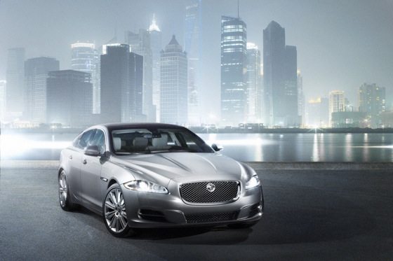 2011 Jaguar XJ - New Car Review featured image large thumb20