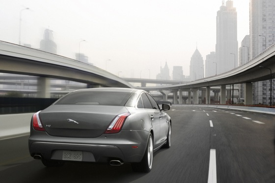 2011 Jaguar XJ - New Car Review featured image large thumb22