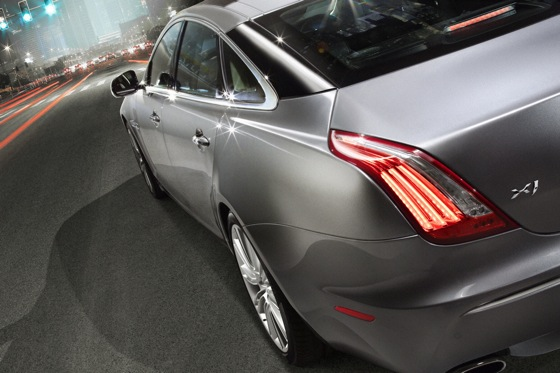 2011 Jaguar XJ - New Car Review featured image large thumb23