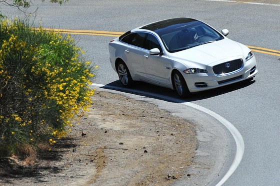 2011 Jaguar XJ - New Car Review featured image large thumb3