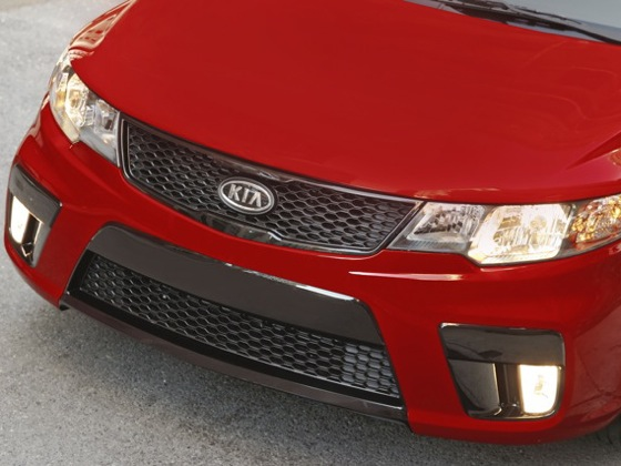 2010 Kia Forte - New Car Review featured image large thumb43