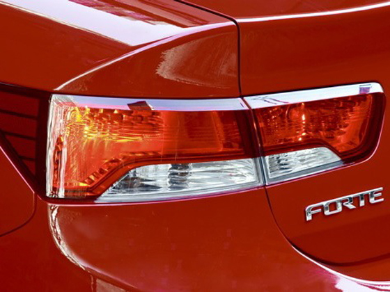 2010 Kia Forte - New Car Review featured image large thumb46