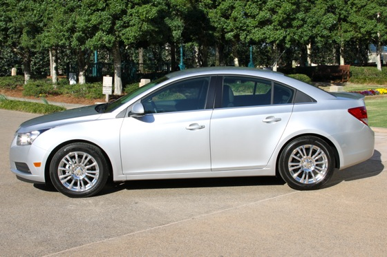 2011 Chevrolet Cruze - New Car Review featured image large thumb1