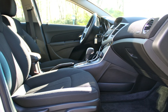 2011 Chevrolet Cruze - New Car Review featured image large thumb7