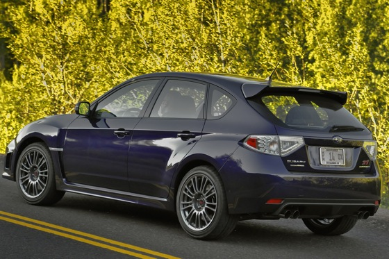 2011 Subaru Impreza WRX/WRX STI - New Car Review featured image large thumb40