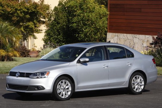 2011 Volkswagen Jetta Sedan - New Car Review featured image large thumb11