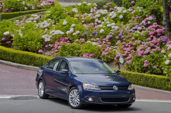 2011 Volkswagen Jetta Sedan - New Car Review featured image large thumb12
