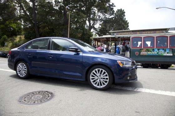 2011 Volkswagen Jetta Sedan - New Car Review featured image large thumb13