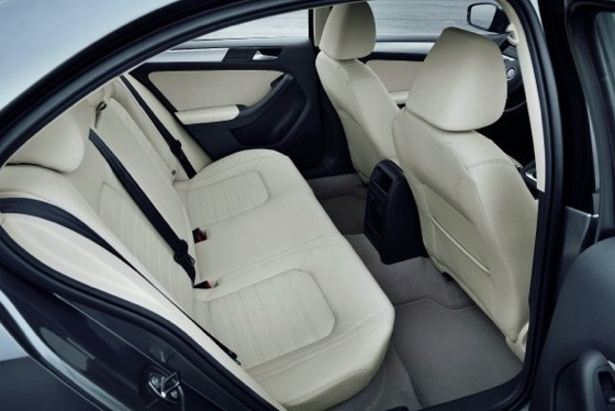2011 Volkswagen Jetta Sedan - New Car Review featured image large thumb20