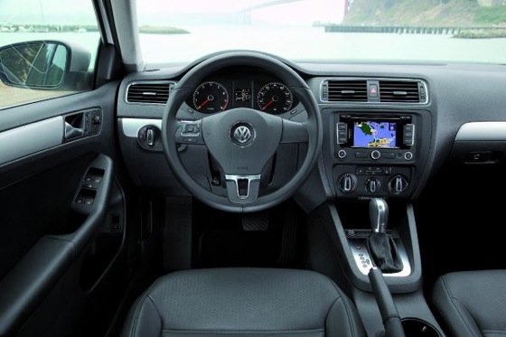 2011 Volkswagen Jetta Sedan - New Car Review featured image large thumb21