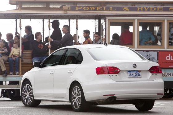 2011 Volkswagen Jetta Sedan - New Car Review featured image large thumb3
