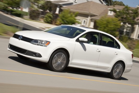 2011 Volkswagen Jetta Sedan - New Car Review featured image large thumb6