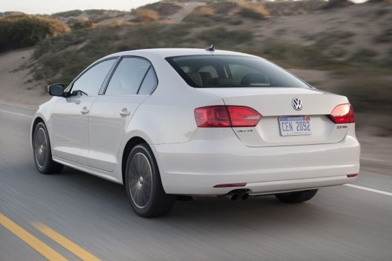 2011 Volkswagen Jetta Sedan - New Car Review featured image large thumb7