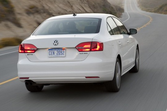 2011 Volkswagen Jetta Sedan - New Car Review featured image large thumb8