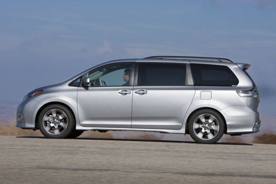 2011 Toyota Sienna - New Car Review featured image large thumb13