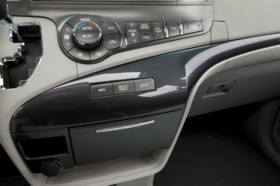 2011 Toyota Sienna - New Car Review featured image large thumb16