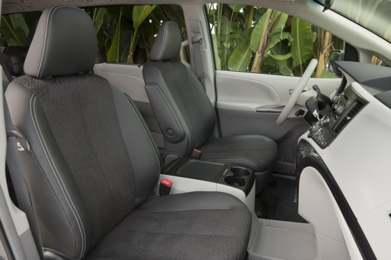 2011 Toyota Sienna - New Car Review featured image large thumb18