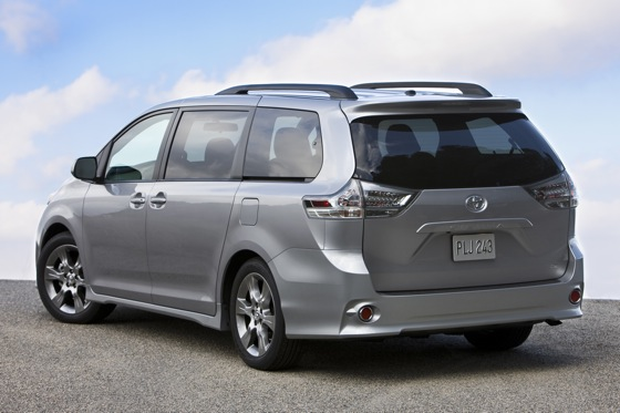 2011 Toyota Sienna - New Car Review featured image large thumb3