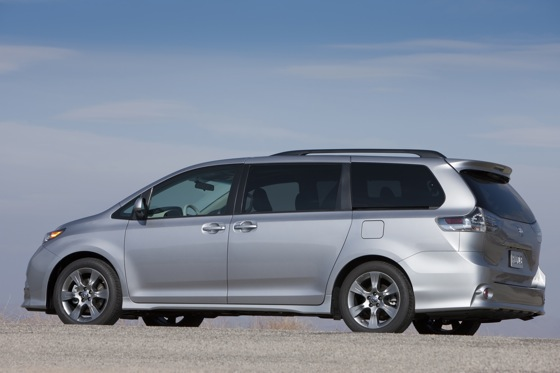 2011 Toyota Sienna - New Car Review featured image large thumb4