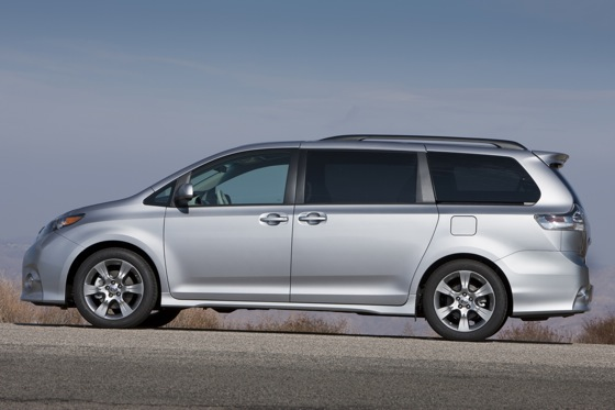 2011 Toyota Sienna - New Car Review featured image large thumb5