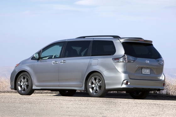 2011 Toyota Sienna - New Car Review featured image large thumb7