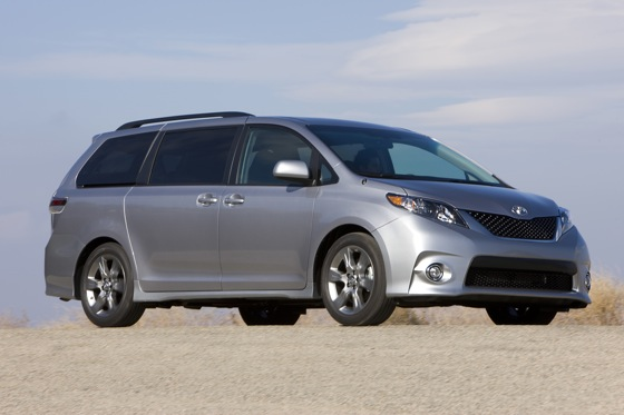 2011 Toyota Sienna - New Car Review featured image large thumb8