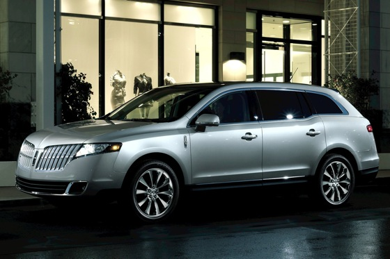 Lincoln MKT Limo to Replace the Town Car: A Bit of a Stretch? featured image large thumb0