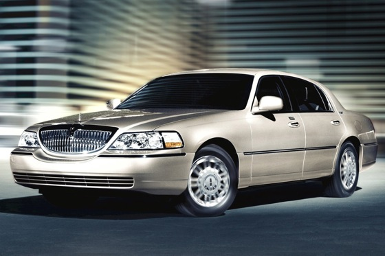 Lincoln MKT Limo to Replace the Town Car: A Bit of a Stretch? featured image large thumb1