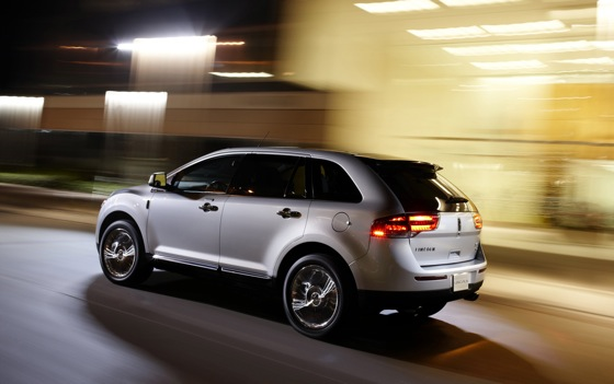 2011 Lincoln MKX - New Car Review featured image large thumb1
