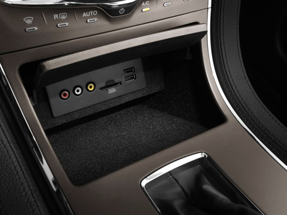 2011 Lincoln MKX - New Car Review featured image large thumb14