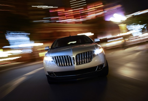 2011 Lincoln MKX - New Car Review featured image large thumb2