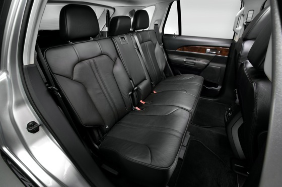2011 Lincoln MKX - New Car Review featured image large thumb21