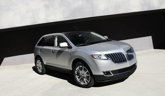 2011 Lincoln MKX - New Car Review featured image large thumb5