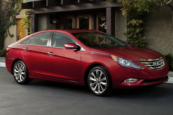 2011 Hyundai Sonata 2.0T: Who Needs a V6 Anyway? - New Car Review featured image large thumb0