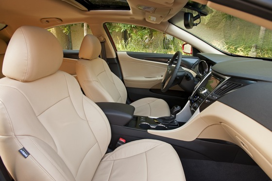 2011 Hyundai Sonata 2.0T: Who Needs a V6 Anyway? - New Car Review featured image large thumb12
