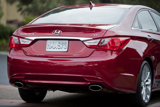 2011 Hyundai Sonata 2.0T: Who Needs a V6 Anyway? - New Car Review featured image large thumb3
