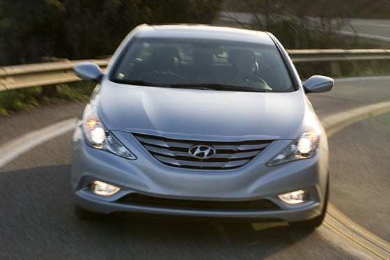 2011 Hyundai Sonata 2.0T: Who Needs a V6 Anyway? - New Car Review featured image large thumb5
