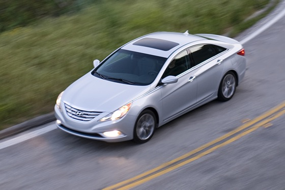 2011 Hyundai Sonata 2.0T: Who Needs a V6 Anyway? - New Car Review featured image large thumb6