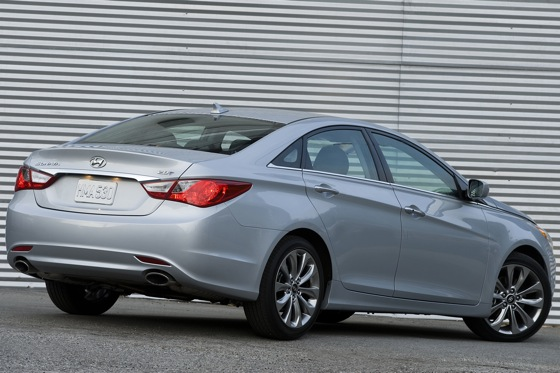 2011 Hyundai Sonata 2.0T: Who Needs a V6 Anyway? - New Car Review featured image large thumb7