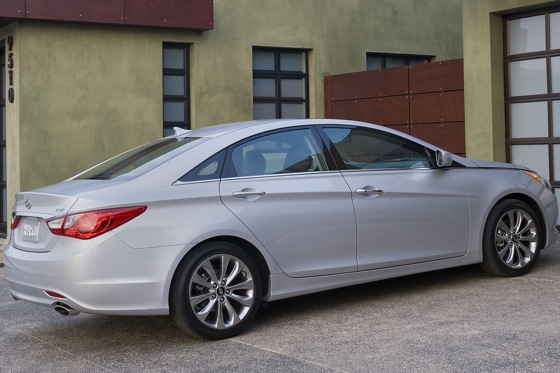 2011 Hyundai Sonata 2.0T: Who Needs a V6 Anyway? - New Car Review featured image large thumb8