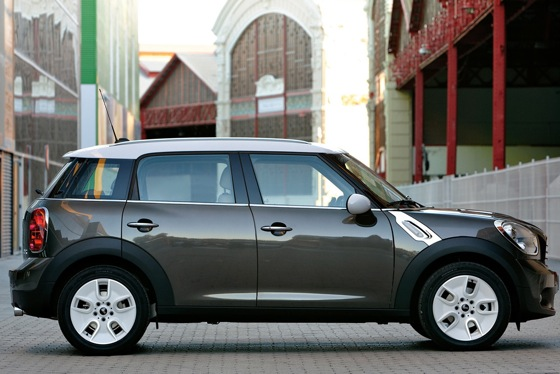 2011 Mini Cooper Countryman: Like a Mini, Only Bigger - New Car Review featured image large thumb9