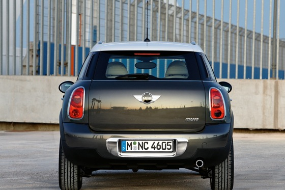 2011 Mini Cooper Countryman: Like a Mini, Only Bigger - New Car Review featured image large thumb12