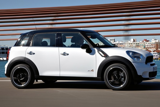 2011 Mini Cooper Countryman: Like a Mini, Only Bigger - New Car Review featured image large thumb22