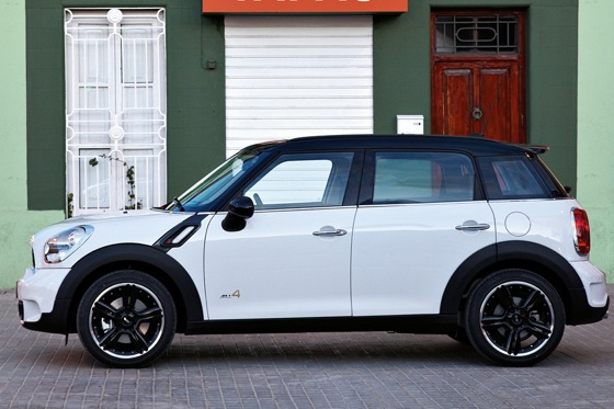 2011 Mini Cooper Countryman: Like a Mini, Only Bigger - New Car Review featured image large thumb25