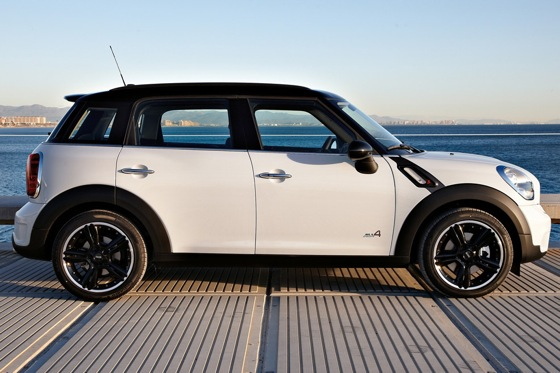 2011 Mini Cooper Countryman: Like a Mini, Only Bigger - New Car Review featured image large thumb27