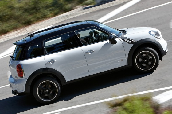 2011 Mini Cooper Countryman: Like a Mini, Only Bigger - New Car Review featured image large thumb2